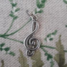 Treeble clef stitch markers